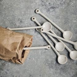 cuillère céramique beige